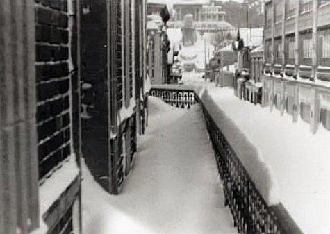 rue du Casino sous la neige a Arcachon en fevrier 1956