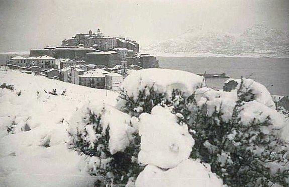 Calvi sous la neige en fevrier 1956