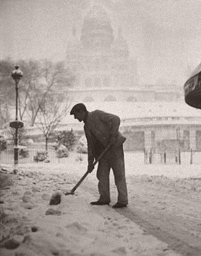 Montmartre sous la neige en mars 1946