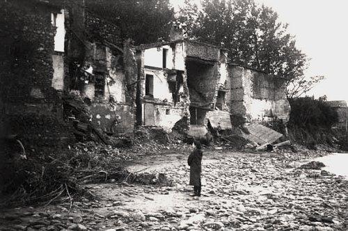 maisons detruites a Nefiach par la crue d`octobre 1940