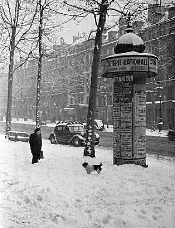 neige a Paris pendant l`hiver 1947