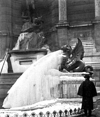 fontaine Saint Michel gelee en fevrier 1895