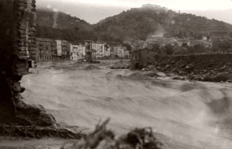 le Tech en crue a Amelie les Bains en octobre 1940