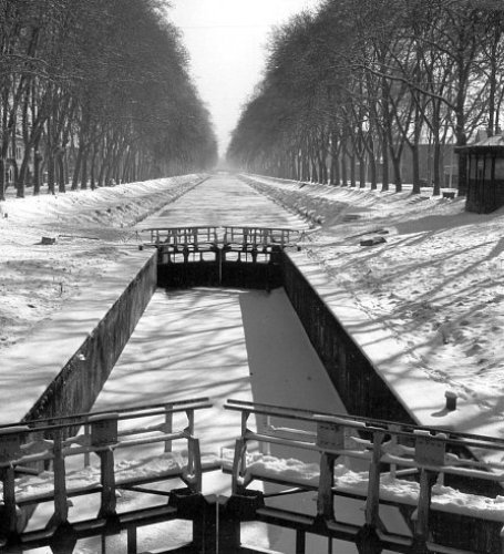 canal du Midi gele en fevrier 1956
