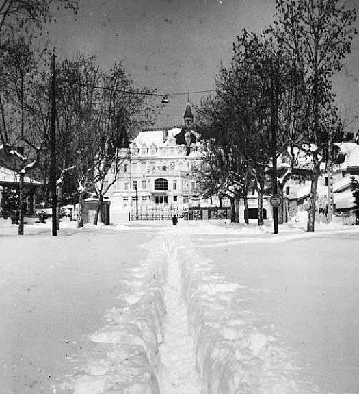 casino d`Arcachon sous la neige en fevrier 1956