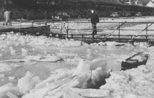 ecluse gelee en fevrier 1956