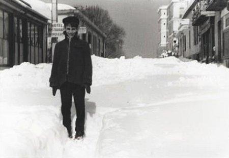 ecolier dans la neige a Arcachon en fevrier 1956