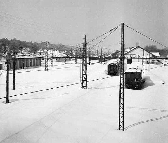 la gare d`Arcachon sous la neige en fevrier 1956