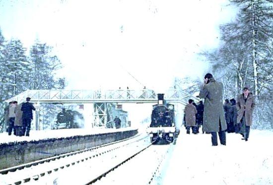 gare en Angleterre hiver 1962 1963