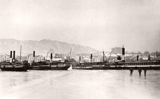 bateaux prisonniers de la glace sur le lac de Zurich en 1891
