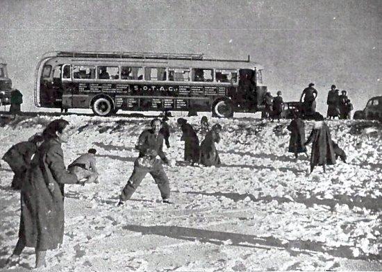 bataille de boules de neige sur la corniche oranaise en fevrier 1956
