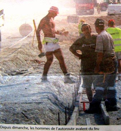 ouvriers sur un chantier aout 2003