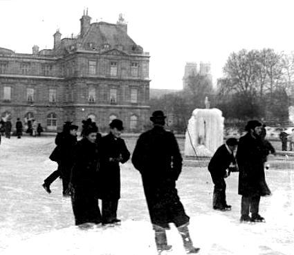 patineurs sur le bassin gele du Luxembourg pendant l`hiver 1892 1893