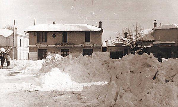 une place Arcachon 1956