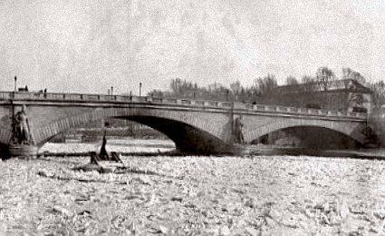 la Seine gelee au pont de l`Alma en 1895