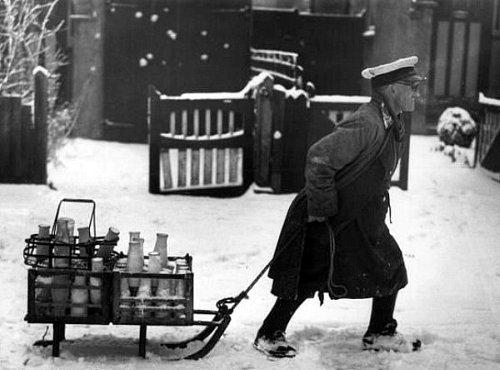 porteur de lait en Angleterre le 31 janvier 1947